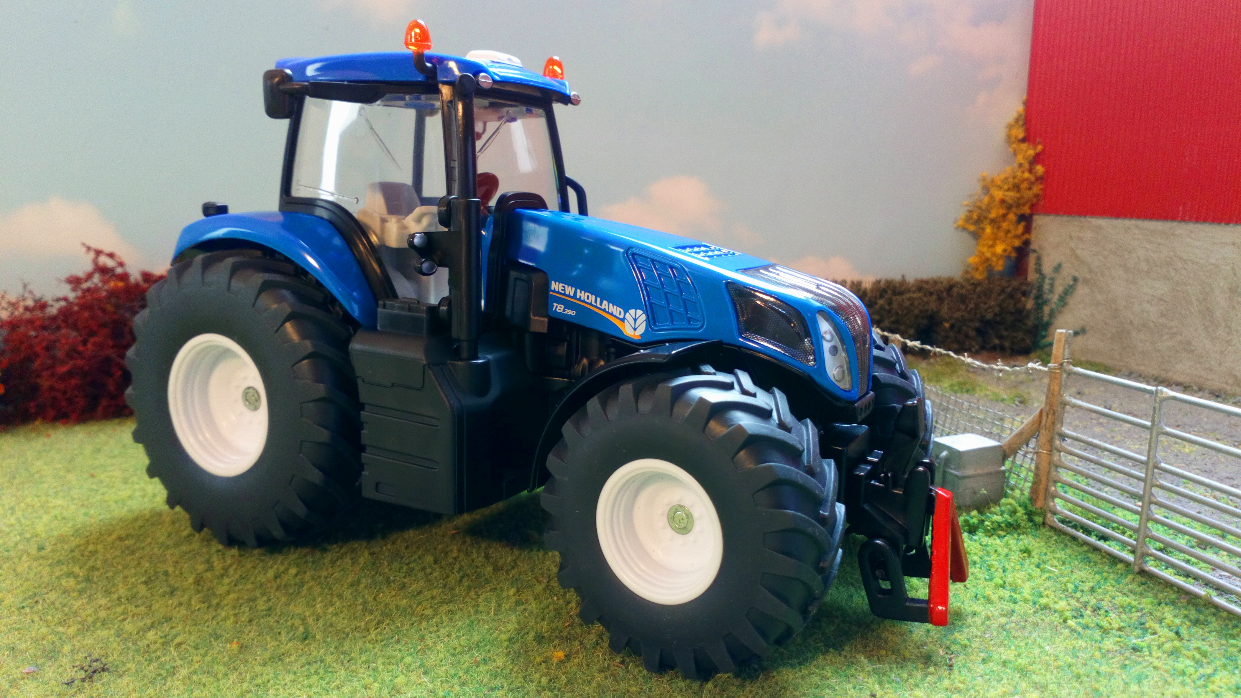 SIKU 3273 Tractor New Holland T8.390